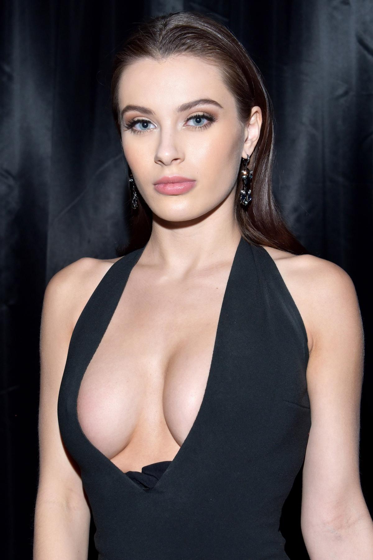 Lana rhoades porno